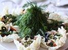 Необычный салат из печени трески